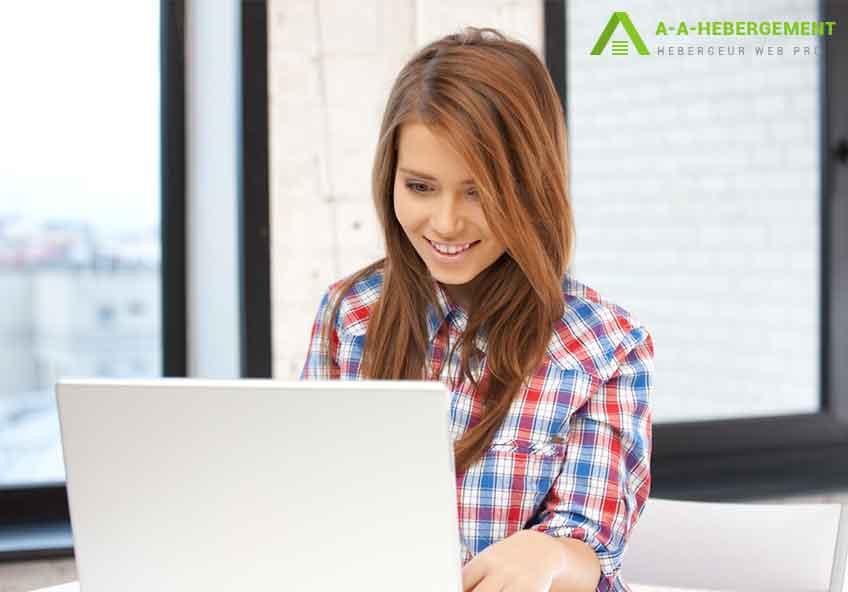 Quelle est la différence entre enregistrer un nom de domaine et héberger votre site internet?